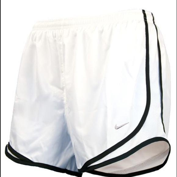 82452b9ec Women s Nike Tempo Shorts Sz Large NWOT. M 5aa5b36a9a94552f38f3c03e